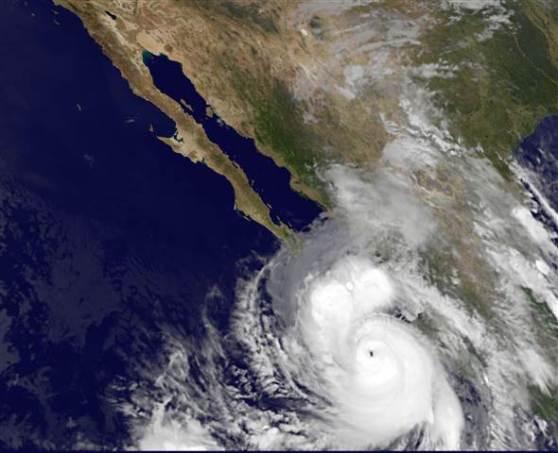 Hurricane Odile set to make landfall / Cat 3 Storm